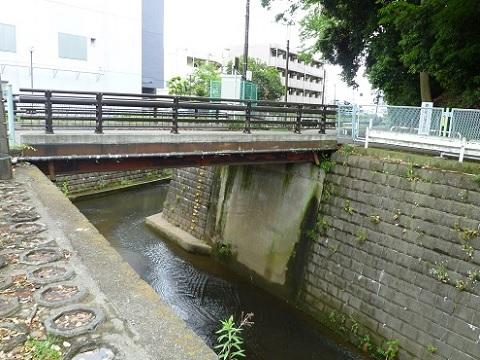 片平川合流点