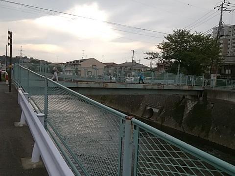 川井田人道橋
