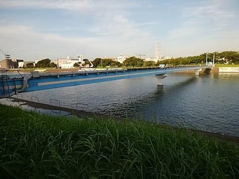 末吉汚染水圧送管橋
