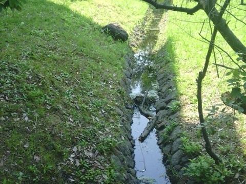 鶴川せせらぎ遊歩道