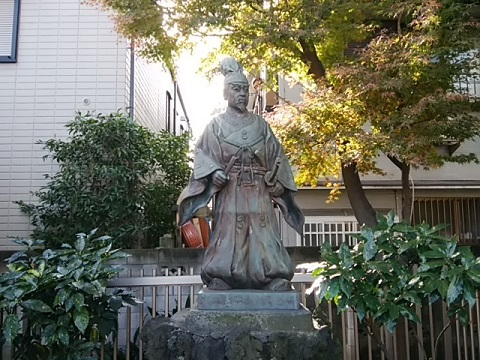 新田義貞像