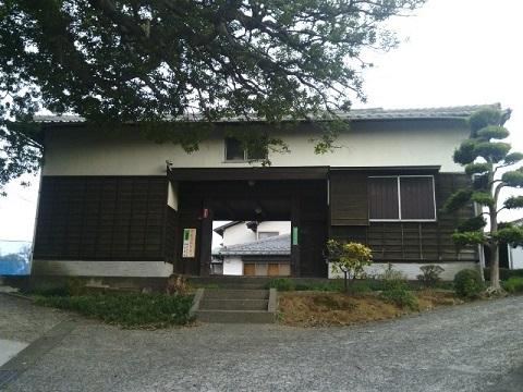 岩岡家の長屋門
