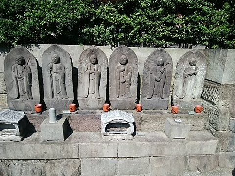 泉澤寺六地蔵