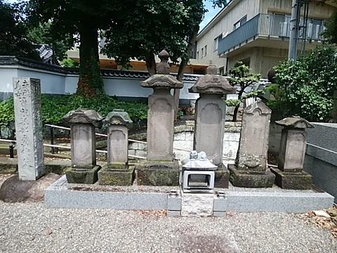軽部五兵衛の墓