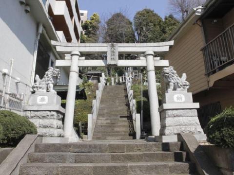 宮前平八幡神社鳥居・狛犬