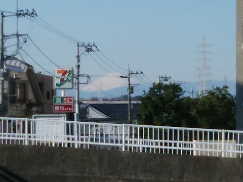 早淵川三歩野橋富士山