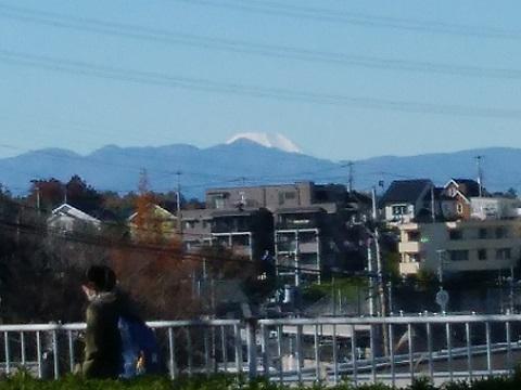 新百合丘駅近く富士山