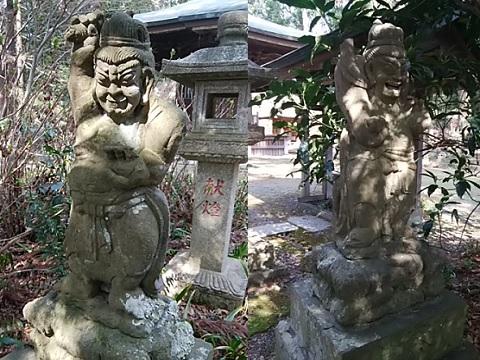 王禅寺仁王像(堂宇前)