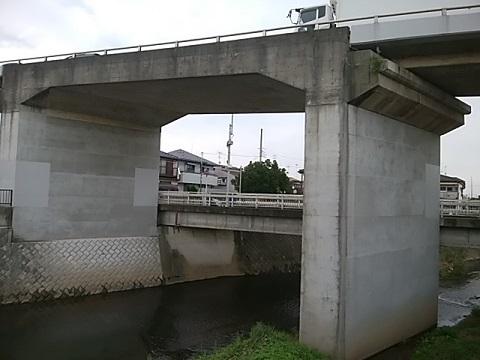 岡上跨線橋