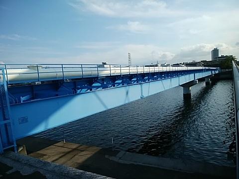 鶴見ポンプ場汚水圧送管橋
