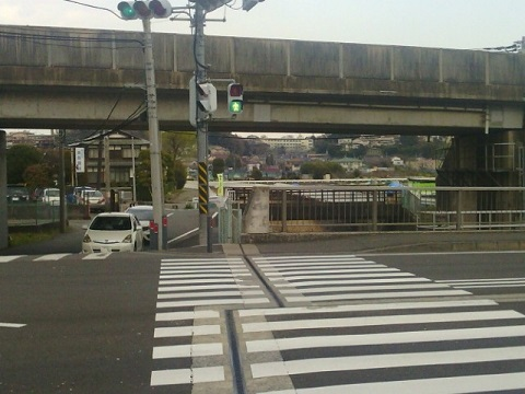 新治町バス停