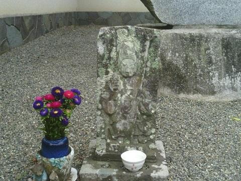 正覚寺門前庚申