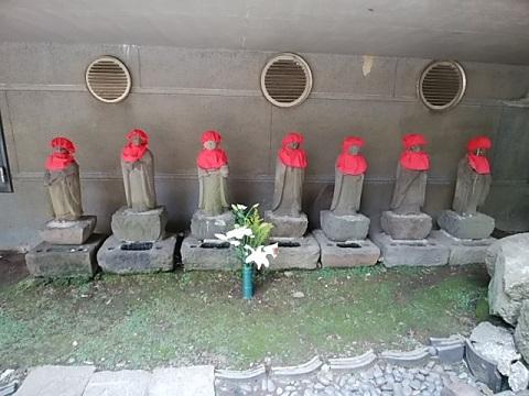 寶泉寺六地蔵