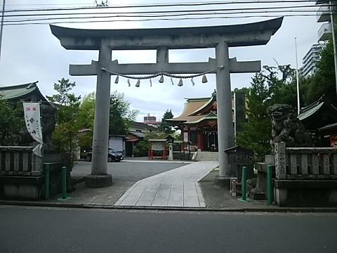 東神奈川熊野神社鳥居・狛犬