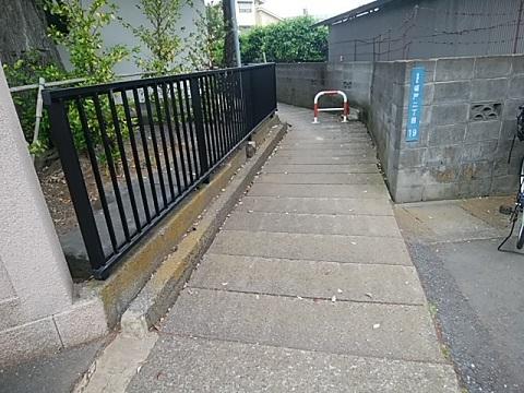 坂戸御嶽神社横暗渠