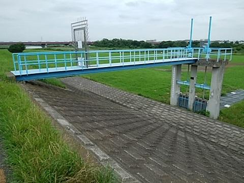 多摩川の水門