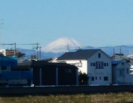 鶴見川小倉5丁目の土手富士山