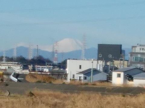 鶴見川駒岡5丁目土手富士山