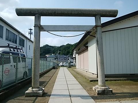 明津熊野神社鳥居