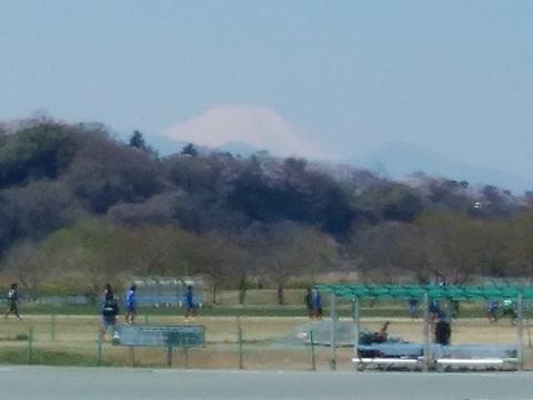 多摩川南武線鉄橋付近富士山